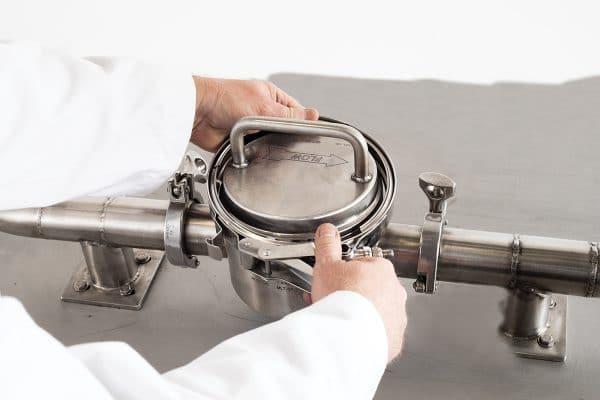 Bunting - Magnetic Liquid Trap 3