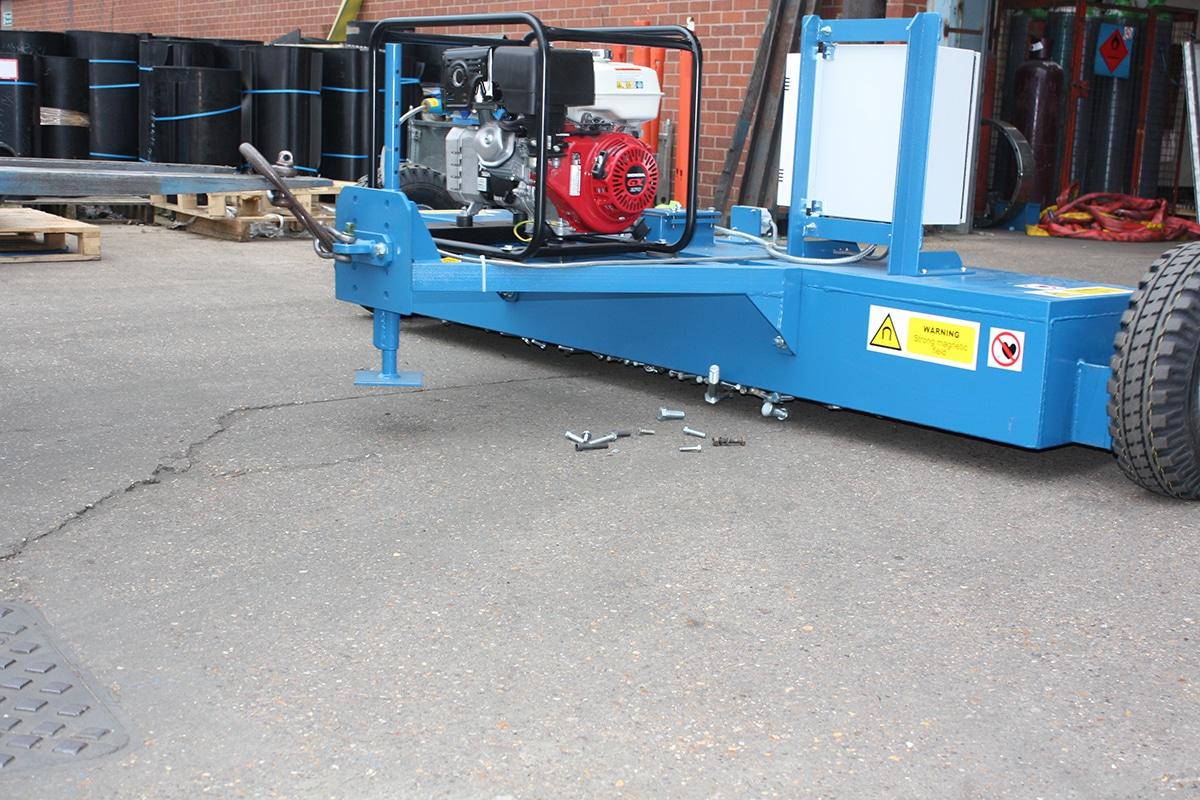 Bunting_Electromagnet Forklift Sweeper